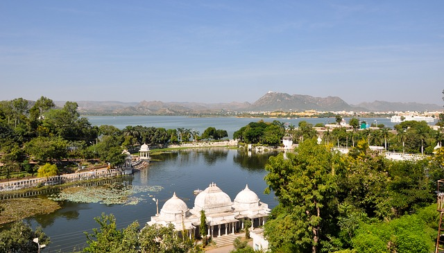 udaipur sightseeing car rentals