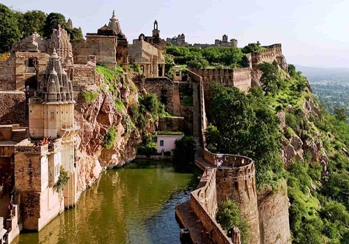 places to see in chittorgarh in taxi