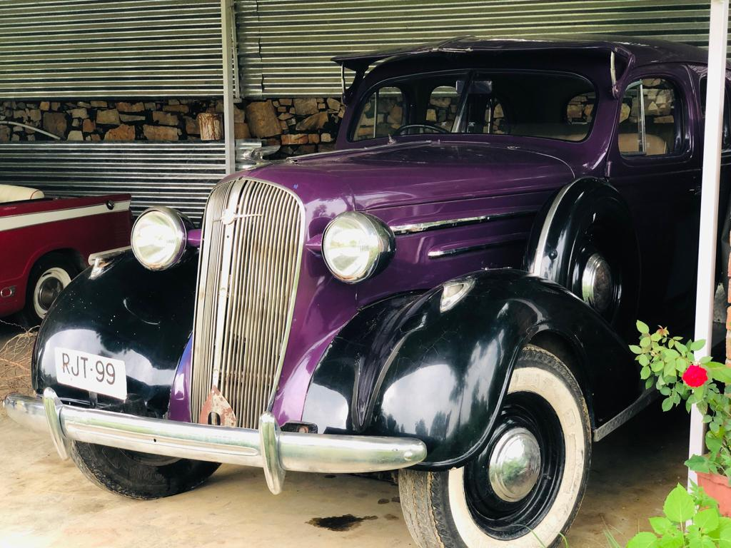 rent vintage car in udaipur
